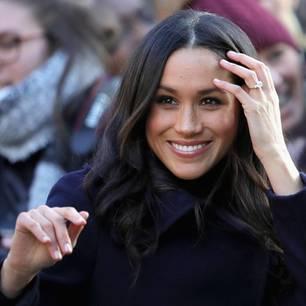Meghans Verlobungsring: Meghan Markle zeigt ihren Ring