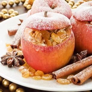 Bratapfel-Füllung: Bratäpfel auf einem Teller