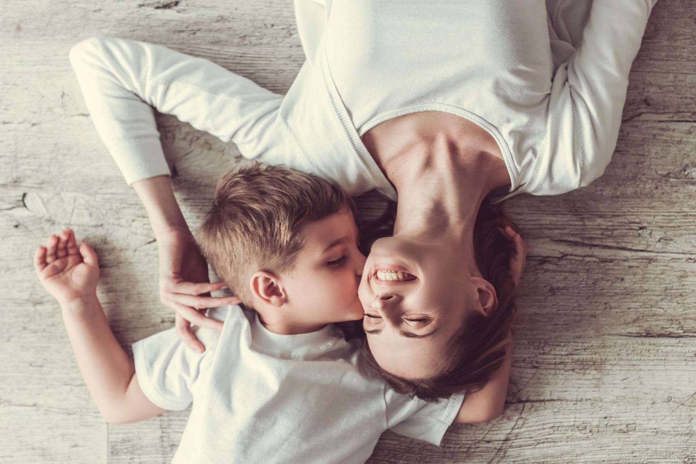 Tricks, die das Mama-Leben einfacher machen: Mama mit Kind