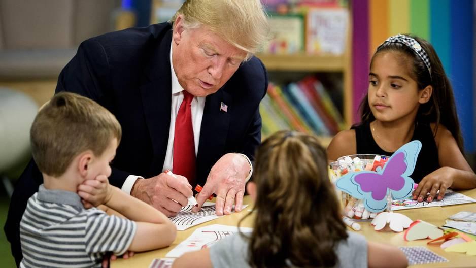 Trump malt Flagge