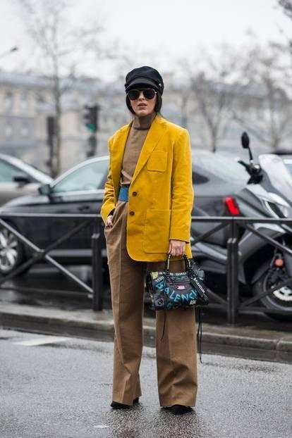 Streetstyle mit Blazer und Hose aus Cord