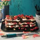 Schokoladen-Beeren-Torte