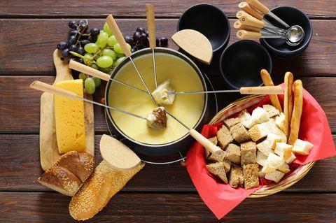 Was passt zu Käsefondue?