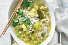 Thailändisches Schmorgurken-Fischcurry