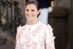 Victoria von Schweden pinselt Rouge