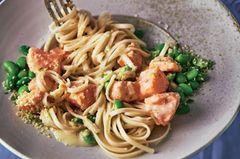 Pasta mit Buttermilch-Lachs