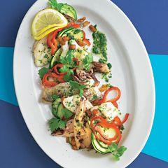 Fischsalat mit Zitronenmarinade und Brotstreuseln
