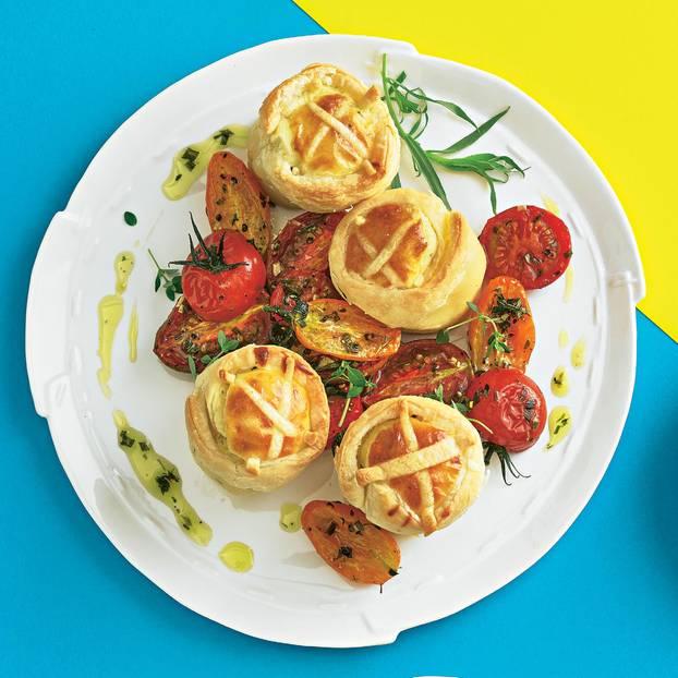 Ziegenkäse-Empadas mit halb getrockneten Tomaten