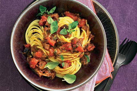 Spaghetti mit Auberginen-Bolognese