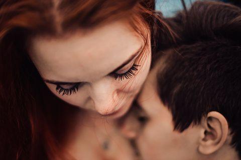 Wenn einer mehr liebt : Ein inniges Pärchen
