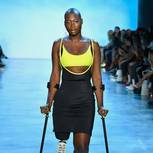 New York Fashion Week: Model mit einem Bein