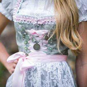 Wiesn Accessoires Styling Zum Oktoberfest Brigittede