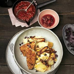 Kartoffelpüree mit Pfeffermakrele, Pilzgemüse und Chutney