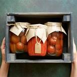 Tomaten einkochen: Tomaten in Einweckgläsern