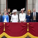 Die britischen Royals auf dem Balkon des Buckingham Palastes