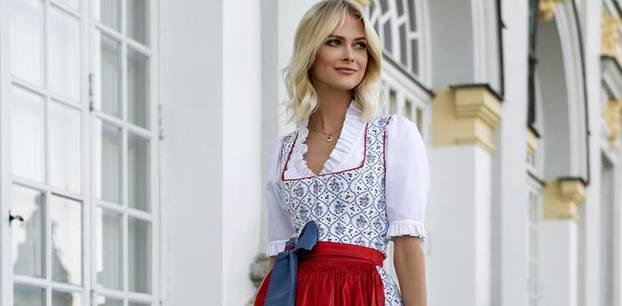 Oktoberfest-Trends: Frau mit rotem Dirndl