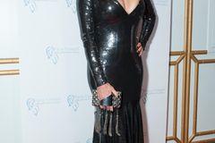 After-Baby-Body: Brigitte Nielsen in engem Pailletten-Kleid