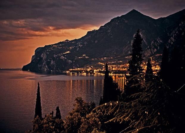 Gardasee: bei Nacht