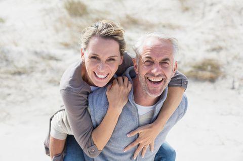 Ü40 und Single: 5 Eigenschaften, die euer zukünftiger Partner haben sollte