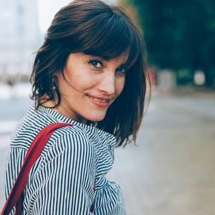 Schluss mit Frust! Ü40 Haar-Pflege für Knallermähnen