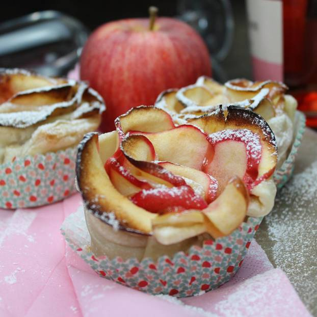 Apfelrosen mit Blätterteig