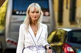 Trendfrisuren 2019: Mittellange Haare mit Fransenpony