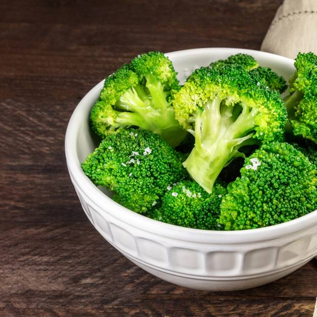 Brokkoli kochen: Brokkoli in der Schale