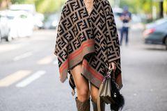 Cape: Aylin König in Paris