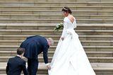 Prinz Andrew legt noch einmal Hand an das Brautkleid seiner Tochter an