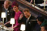 Erinnerungen an ihre eigene Hochzeit? Zärtlich legt Kate eine Hand auf das Bein ihres Mannes William