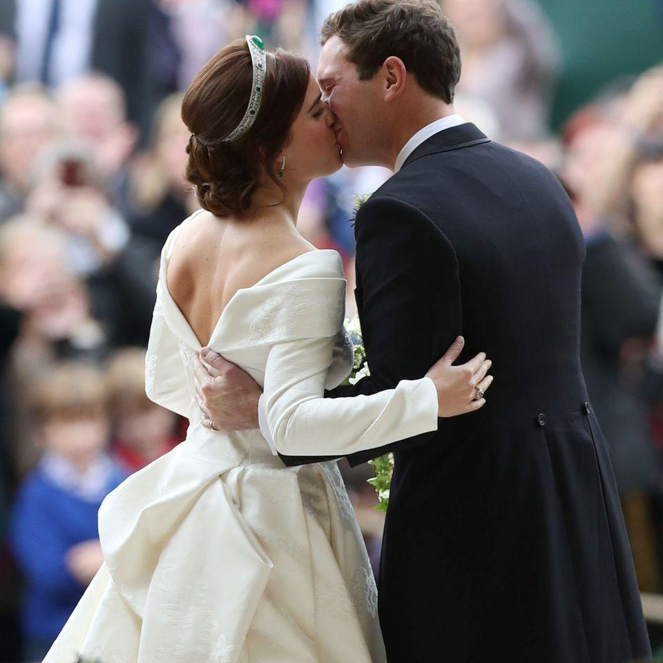 Der erste Kuss als Mr. & Mrs. Brooksbank