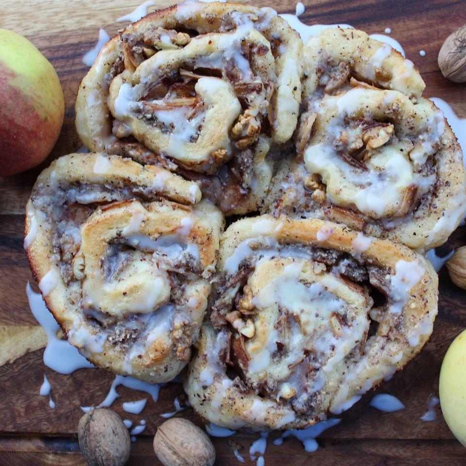 Apfel-Walnuss-Zimtschnecken