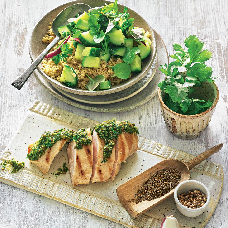 Gegrilltes Hähnchen mit Chermoula und Couscous