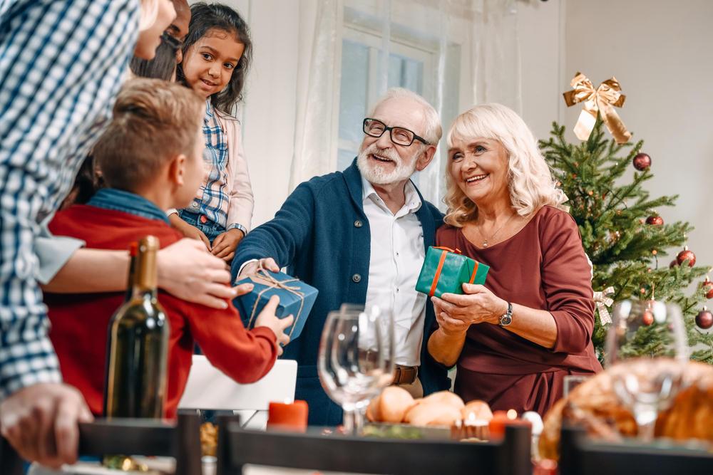 Weihnachtsgeschenke für Großeltern: Die schönsten Ideen | BRIGITTE.de