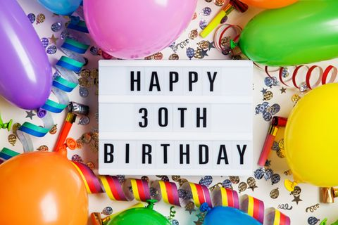 Geschenke zum 30. Geburtstag: Light-Box mit Aufschrift: Happy 30th Birthday