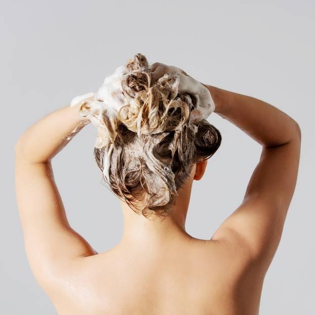Haare Mit Heilerde Waschen So Einfach Gehts Brigittede