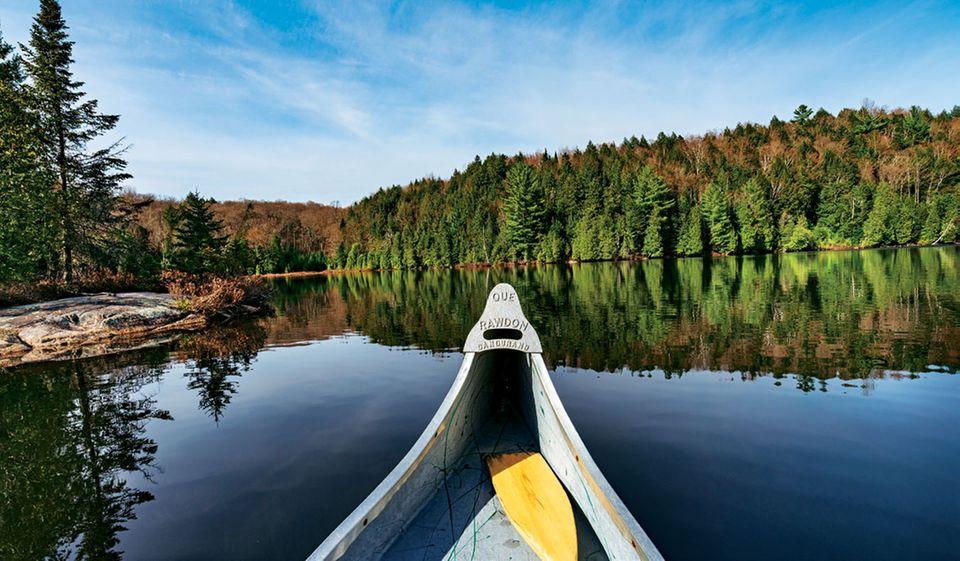 Radreise durch Kanada: Boot auf einem See