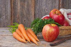 Apfel-Möhren-Rohkost