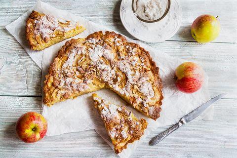 Apfelkuchen mit Mandellikör-Sahneguss