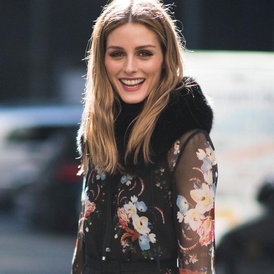 Kleider für den Winter: Olivia Palermo trägt ein Blumenkleid