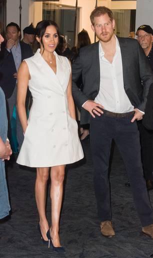 Meghan Markle: Meghan in einem weißen Mini-Blazer-Kleid