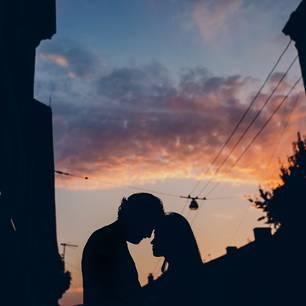 Dualseelen: Ein Pärchen im Sonnenuntergang