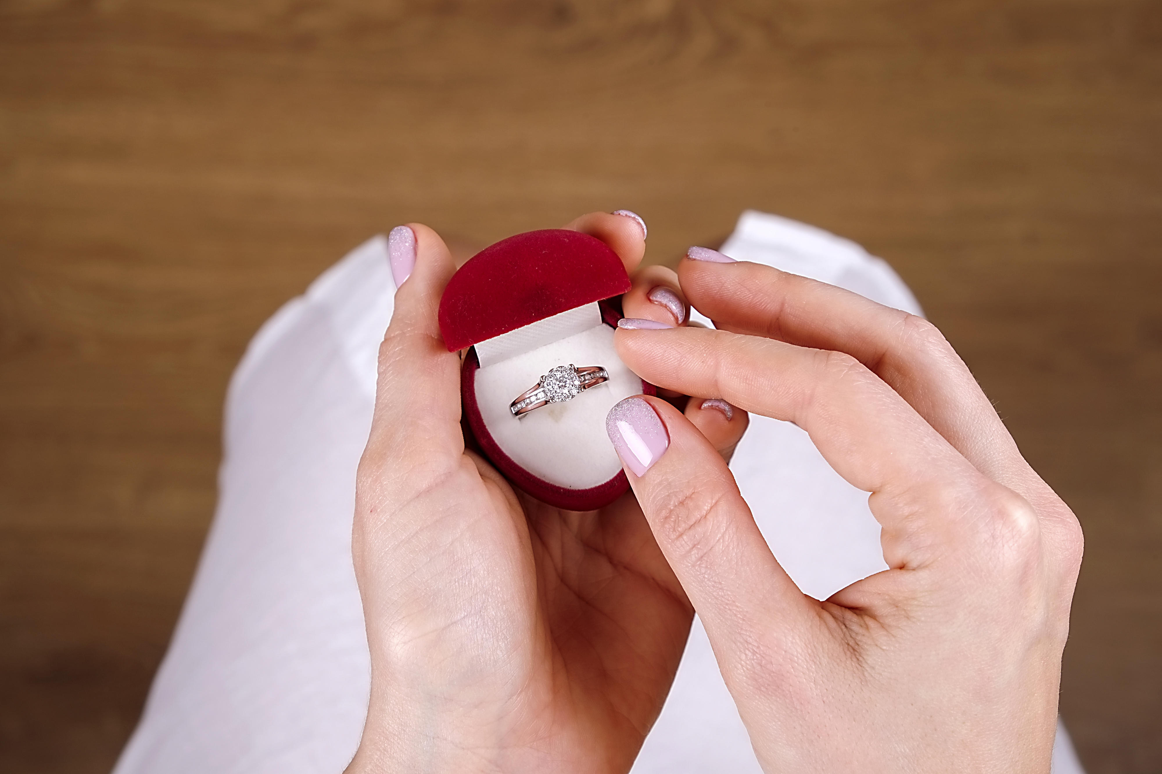 Engagement Ring Too Ugly Woman Wants To Say No