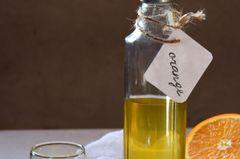 Orangelikör in Flasche