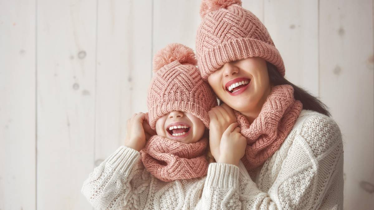Baby Mädchen Gestrickt Stirnband Häkelarbeit Knöpfe Design Winter