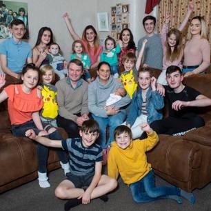 Großfamilie mit 21 Kindern