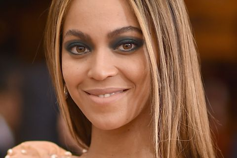 Foundation richtig auftragen: Beyoncé Knowles mit Make-up