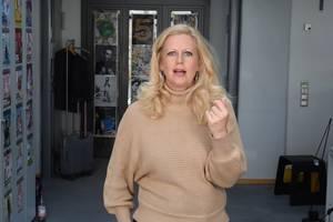 Barbara über Ei