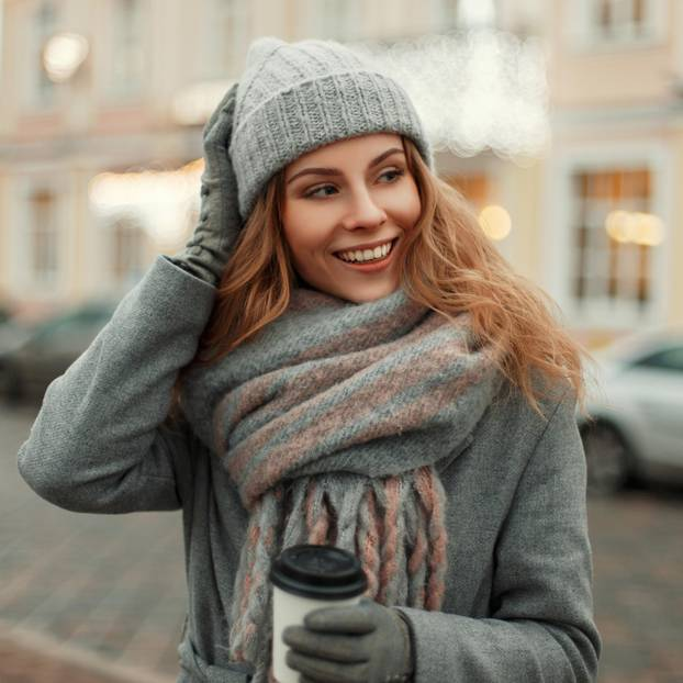 Nie krank werden: Frau mit Mütze