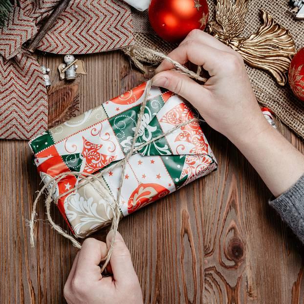 Geschenke Verpacken Für Das Perfekte Weihnachtsgeschenk Brigittede